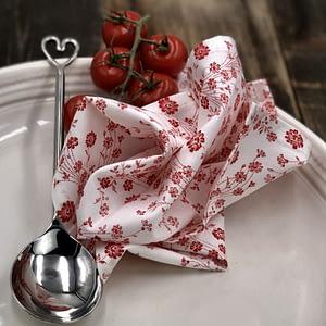 Ungifuni Shweshwe Serviettes Red handmade flower pattern serviettes